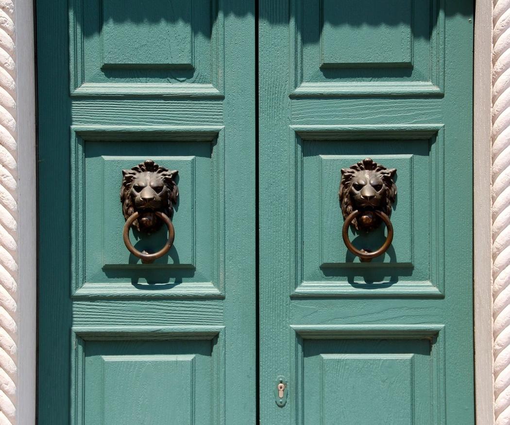 Cómo realizar un buen mantenimiento de tus puertas de madera
