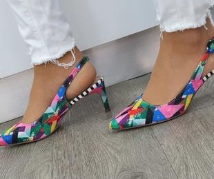 Zapato salón destalonado moda