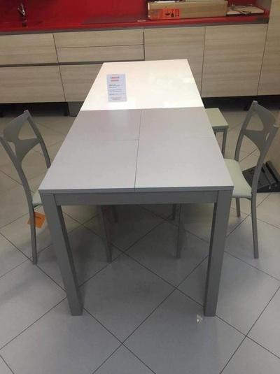 Mesas y sillas: Cahema Hogar