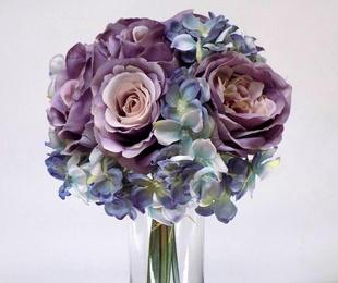 Bouquet de rosas y hortensias