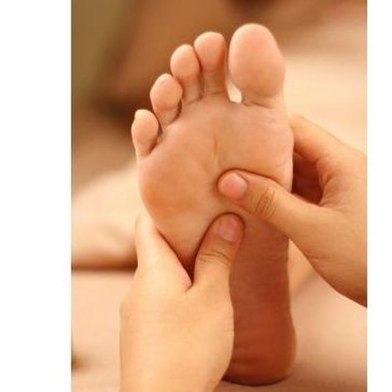 Masaje de reflexología tailandesa y piernas: Servicios   de Kwantida Thai Massage & Spa