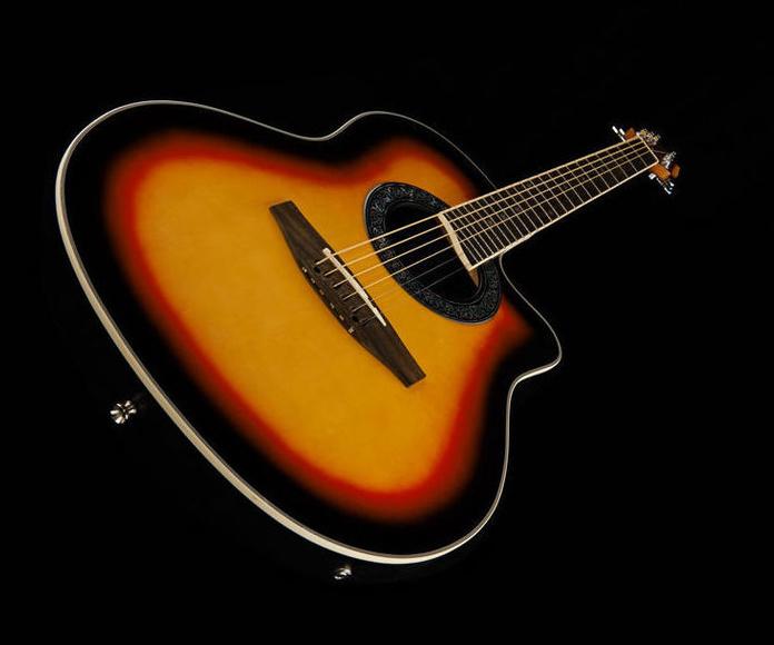 Guitarra electroacústica trasera redonda Harley Benton. Decibelios Playa Honda Lanzarote
