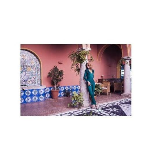 Margarita Muñoz: Vestidos y complementos   de Caprichos