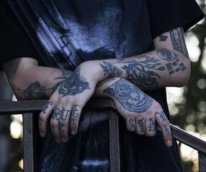Cómo mantener tus tatuajes cuando ya están curados