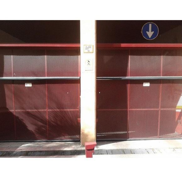 Puertas basculantes: Trabajos de R.F.C. Puertas Automáticas