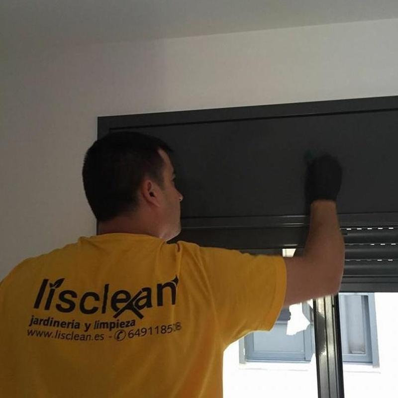 Servicio doméstico : Mantenimiento y limpieza   de Lisclean