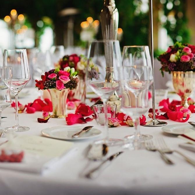 Encuentra la decoración más divertida para tu banquete