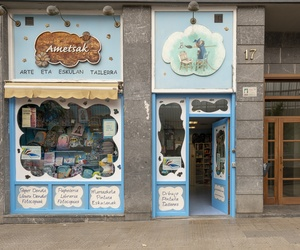 Academia de dibujo y tienda en Bilbao