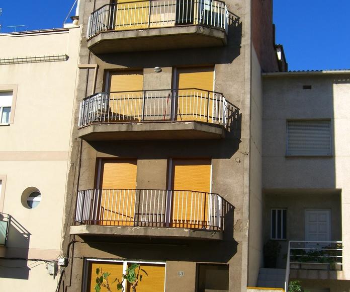 Trabajos de pintura decorativa en fachadas (antes)