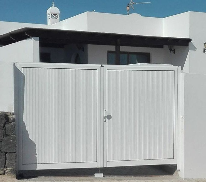 Puertas y ventanas de aluminio: Productos de Curvas y Aluminios González