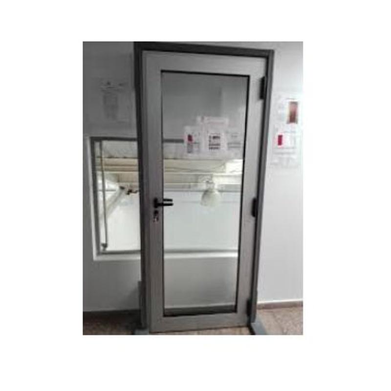 Puertas de aluminio: Servicios de JUMA
