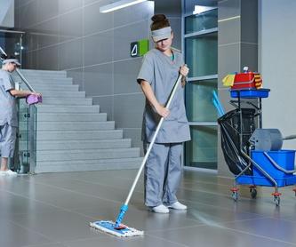 Limpieza de garajes y naves: Servicios  de Limpiezas Ciudad Encantada, S.L.