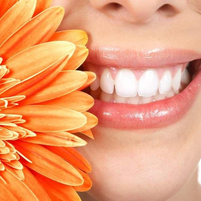 Que no te cuenten milongas sobre el blanqueamiento dental