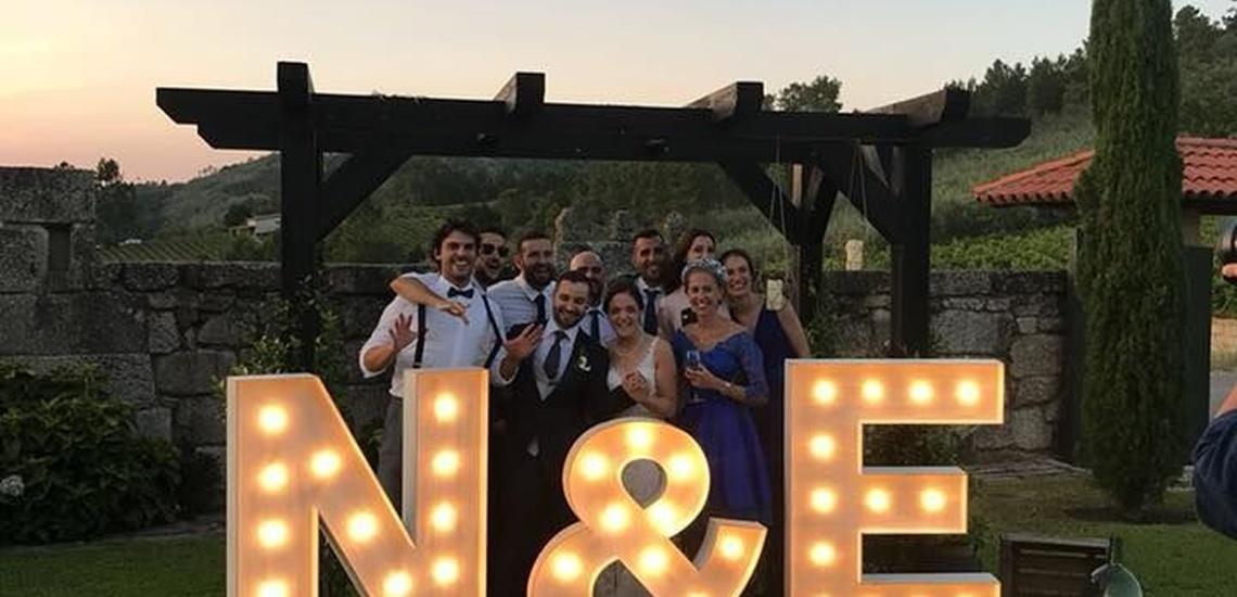 Letras luminosas para bodas en Ourense con originales diseños