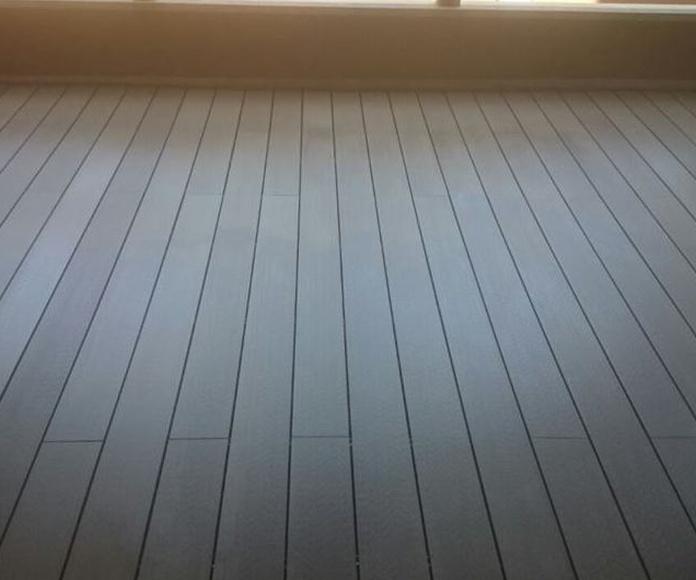 Instalación de tarima tecnológica de composite en San Pedro de Alcántara, Marbella por instalador de tarimas, pavimentos y suelos laminados