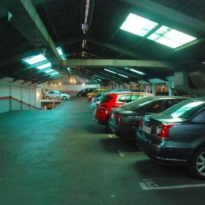 ¿Por qué debemos guardar el coche en un garaje?