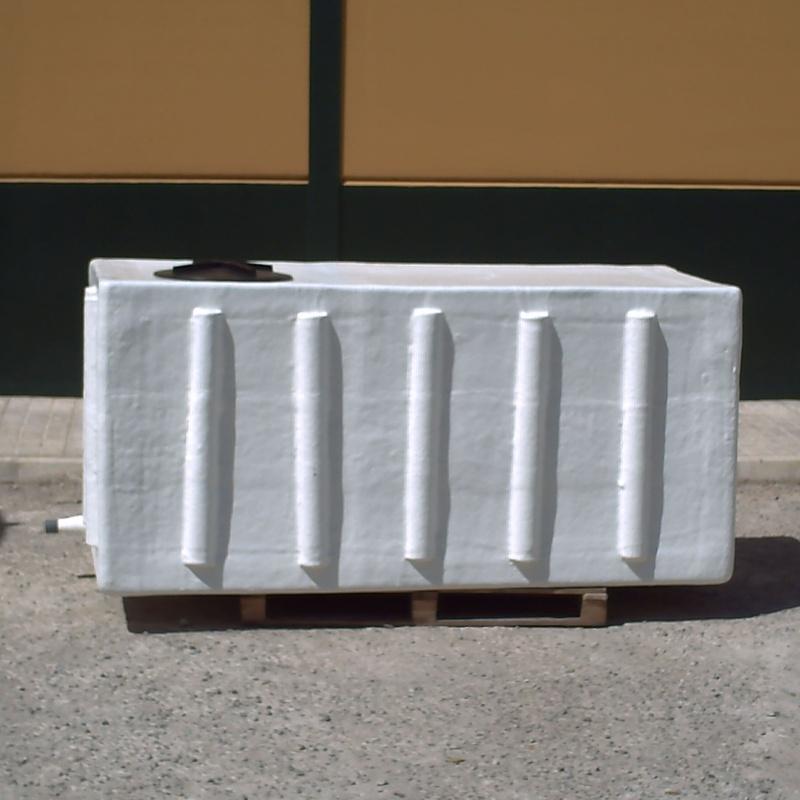 Depósitos a medida: Catálogo de productos de Poliéster La Zarzuela