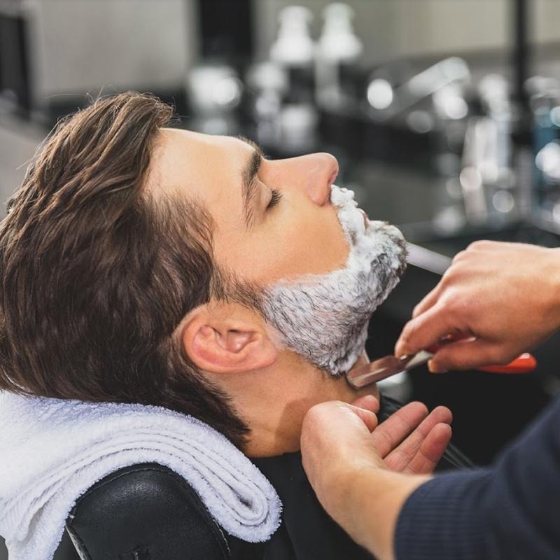 Tratamientos para él: Servicios de Salón de Peluquería y Estética Iraga