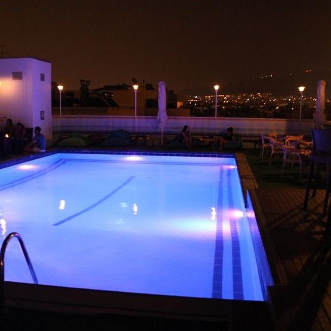 La iluminación LED de piscinas