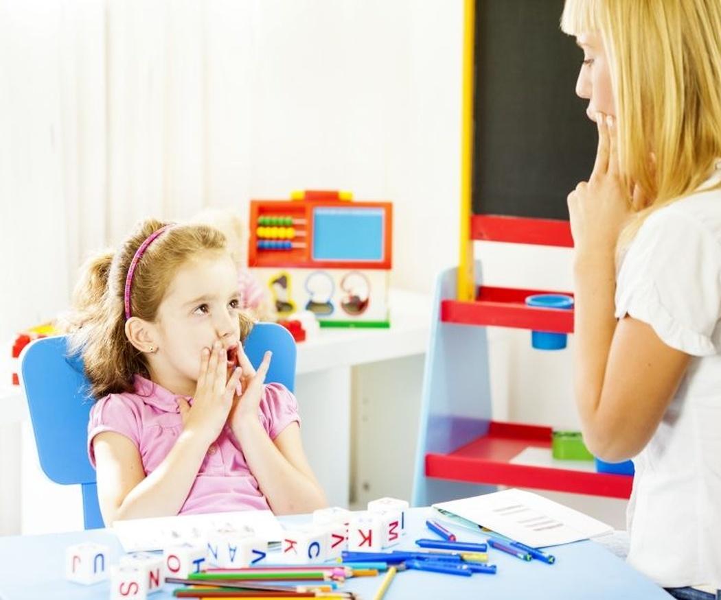 Problemas de frenillo lingual: ¿por eso pronuncia mal?