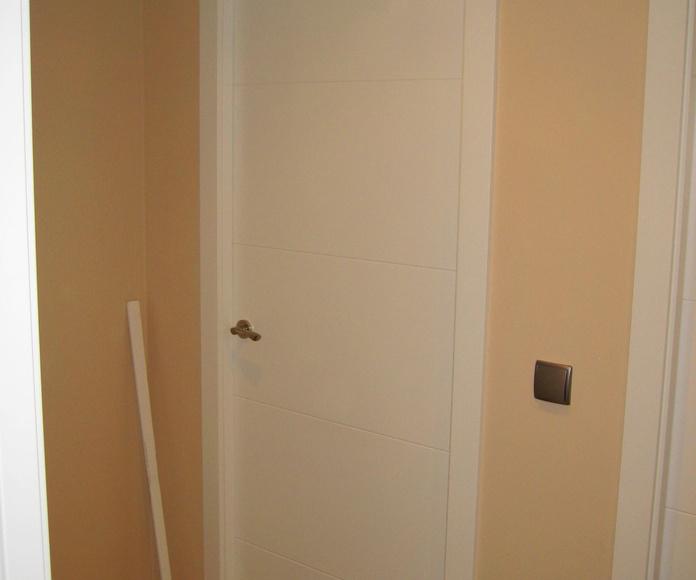 Puerta lacada en blanco mod. 9005