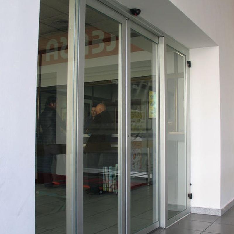 Puertas de cristal correderas: Productos y Servicios de Luvematic