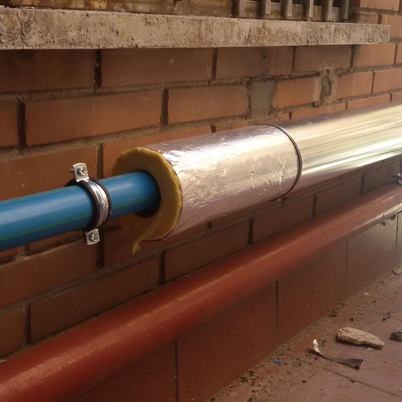 Red de abastecimiento de agua por fachada