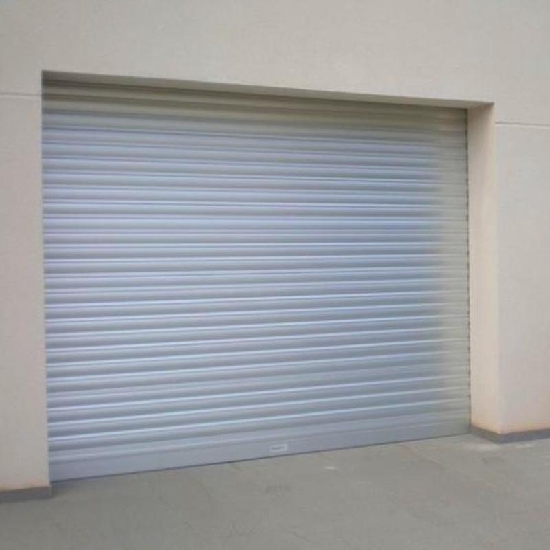 Puerta enrollable galvanizada: Productos y servicios de Cerrajería Segui