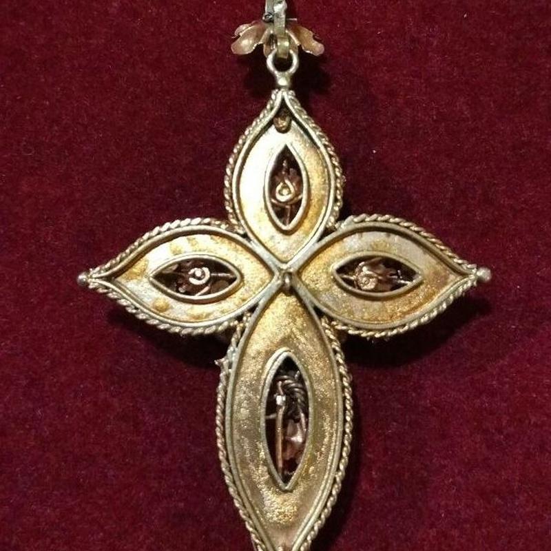 Colgante de cruz en oro  de 18k y perlas. Finales S.XIX. Ref. A-9549: Catálogo de Antigua Joyeros