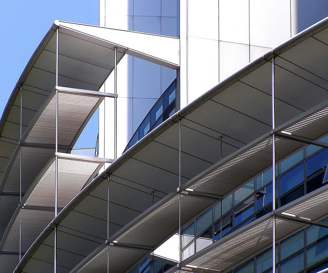 Ventanas de aluminio en oficinas