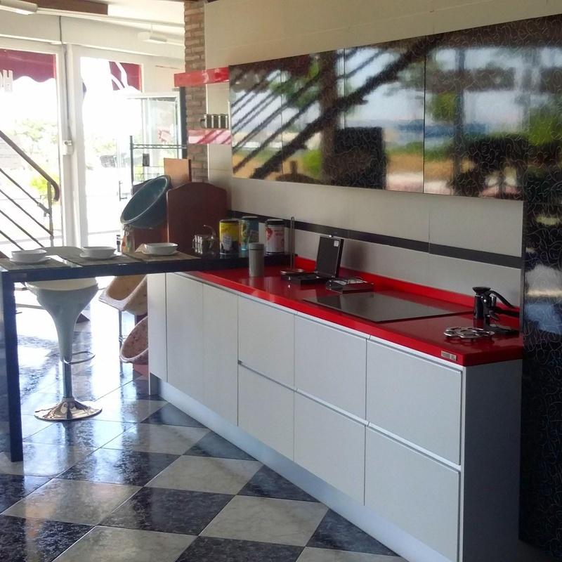 COCINA DE EXPOSICION: Exposición de Pavimentos Loymar, S.L.