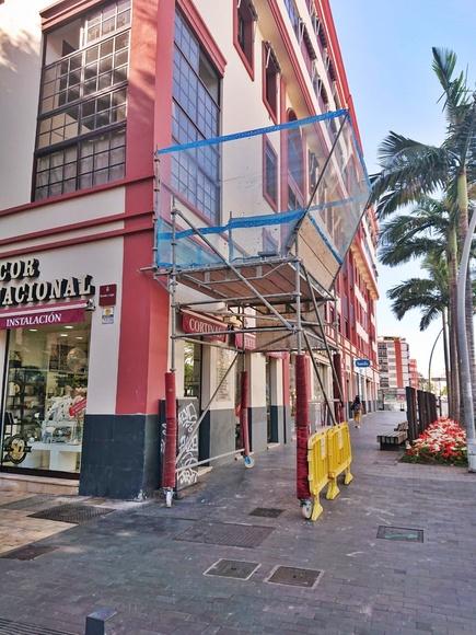 Marquesina de protección para trabajos verticales. La Salle. Santa Cruz de Tenerife.