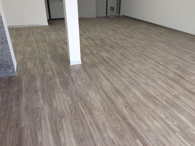 Instalación  de suelo vinílico en Fagor  oficinas de Getafe