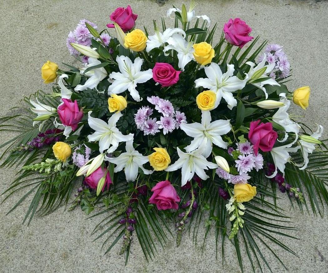 Descubre el origen de honrar con flores en la festividad de Todos los Santos