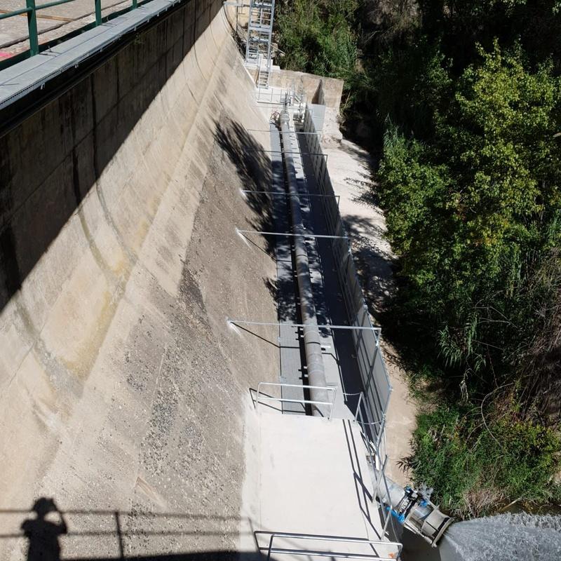 Montaje de caudal ecológico en la presa de C.H. Vallat (Cirat).: Servicios de Servicios Inoxidables Albacete