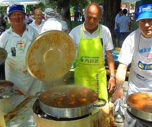 DESATASCOS MUNGIA apoyando en el dia del SUKALKI
