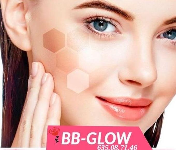 Tratamiento facial rejuvenecedor.: Productos de centro de estetica Rosa Herrera