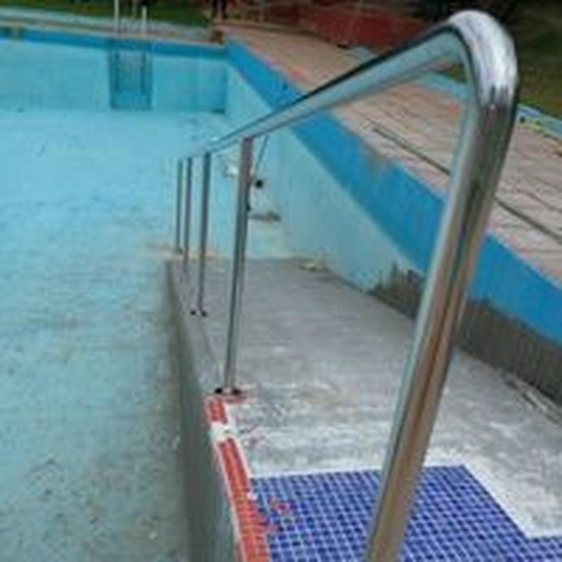 Barandilla de acero inoxidable para rampa de acceso a piscina:  de Icminox