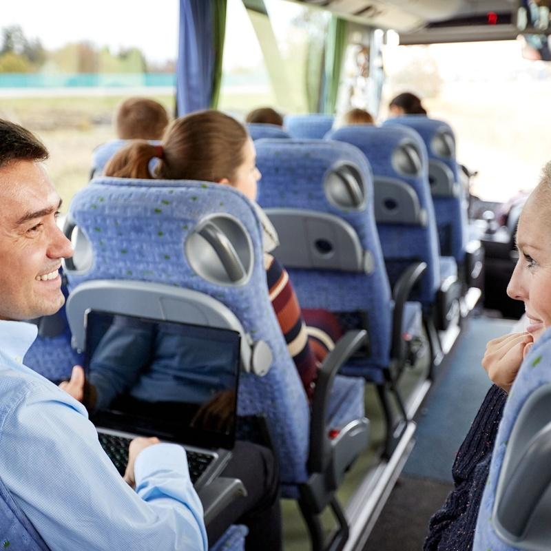 Transporte discrecional de viajeros: Servicios de Autocares y Microbuses Nievabus
