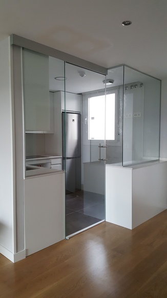 cristaleria-formas-instalación-vidrio-templado-cocina