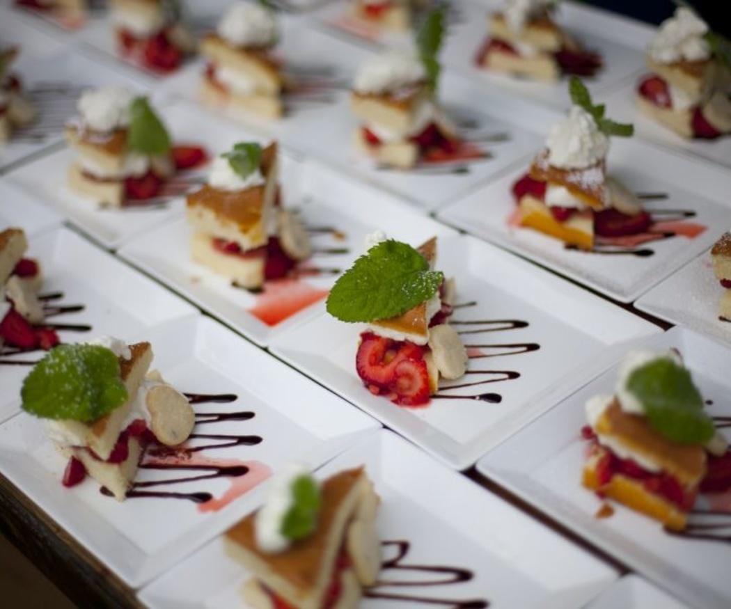 Disfrutar de una merienda dulce con un catering
