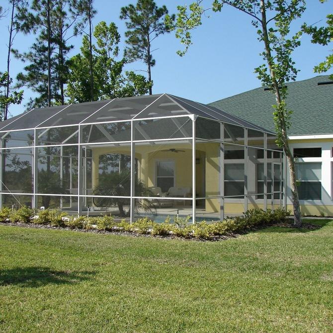 Ventajas de cerrar tu terraza con cortinas de cristal