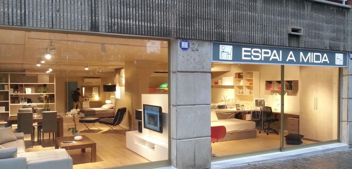 Armarios a medida en Les Corts, Barcelona, y mueble de salon y dormitorio