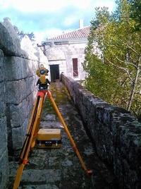 Midiendo un antiguo palacio