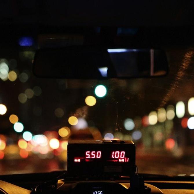 La historia del taxi y del taxímetro