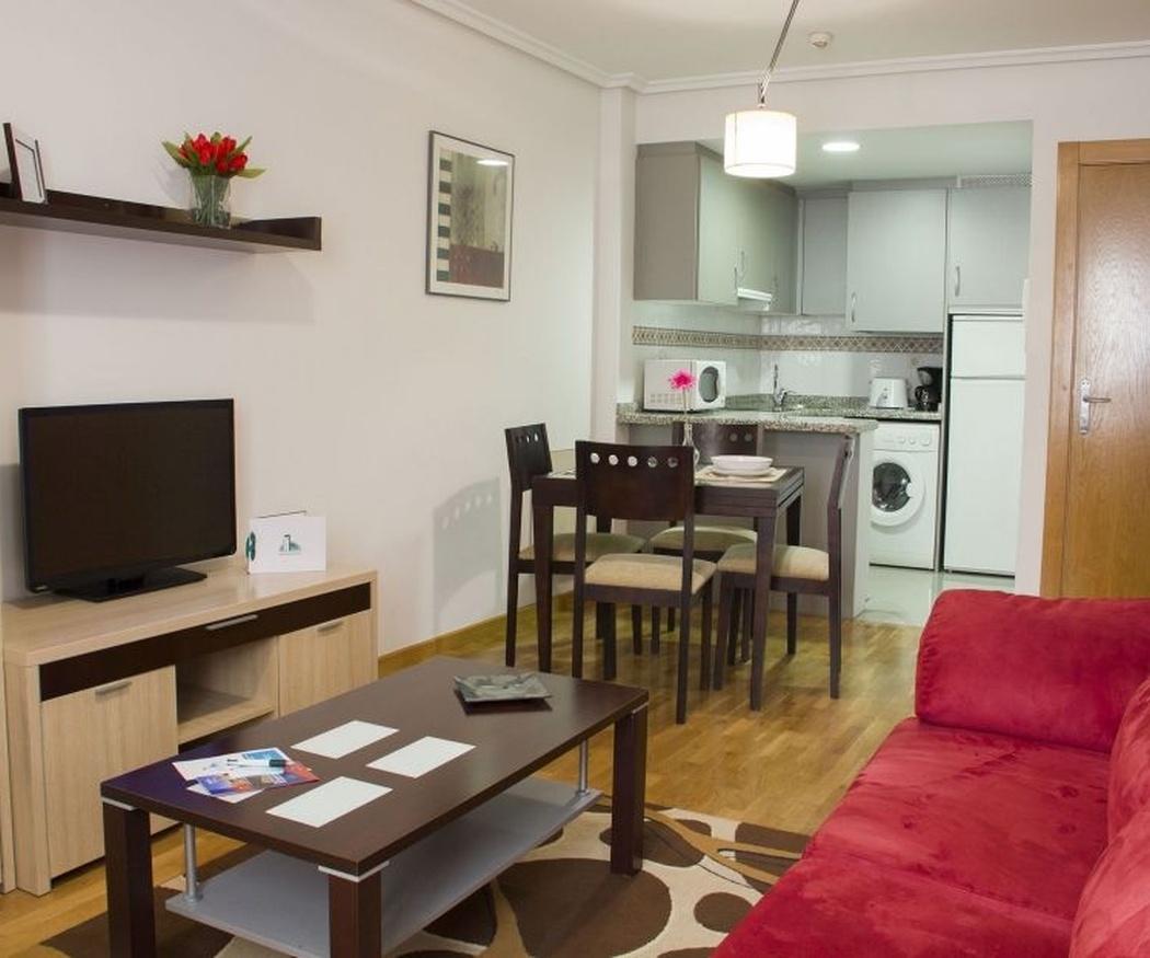 Diferencias entre hoteles económicos y apartamentos en Gijón