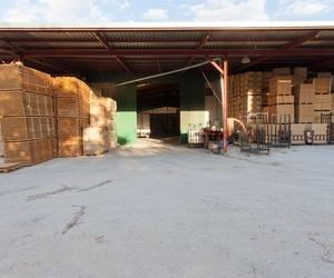 Distribución de cajas de madera en Granada y Jaén