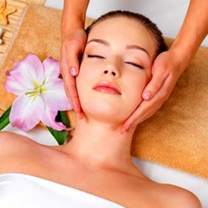 Masaje facial (cuello y escote) 20m': Servicios de SMART expertos belleza