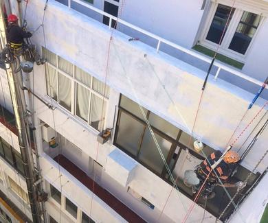 Pintar fachadas empresa especializada.