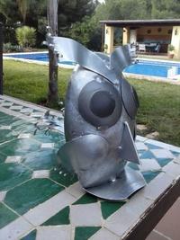 Buho de zinc en Girona